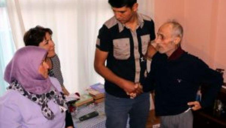 Alzheimer hastasına arkadaş bakımı