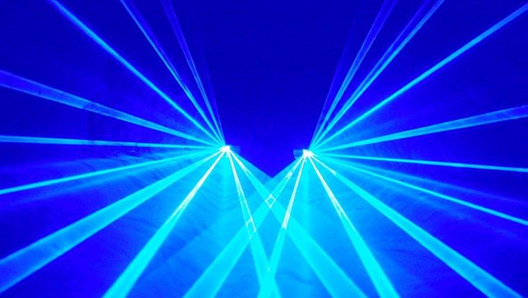 Bilgisayar ekranlarınına çok bakmayın çünkü ekrandaki o mavi ışık...