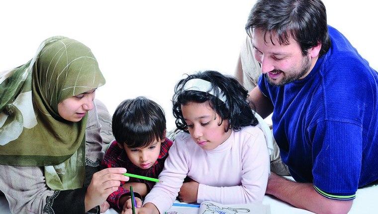 Çocuğun aile ve okul ile ilişkileri dengeli bir şekilde ayarlanmalı
