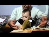Kuran okuyan bebek :)